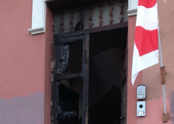 Attacco incendiario dopo le aggressioni: ad Ostia lunga notte di follia
