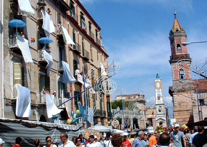 Ponticelli, agguato tra la folla: morto Ciro Nocerino
