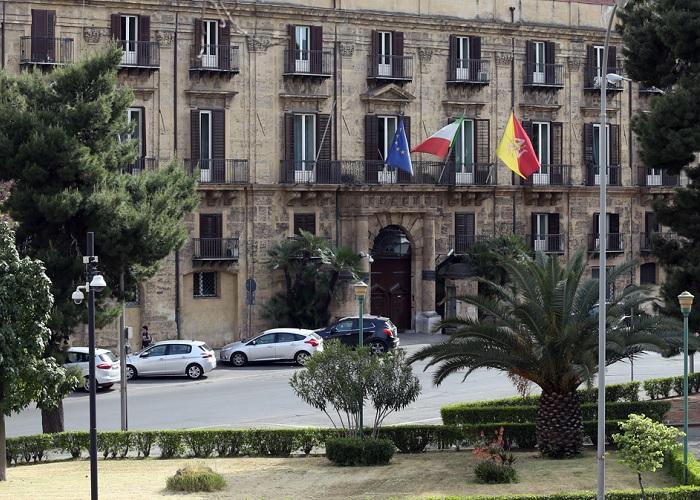 Risultato immagini per immagine palazzo della presidenza regione sicilia